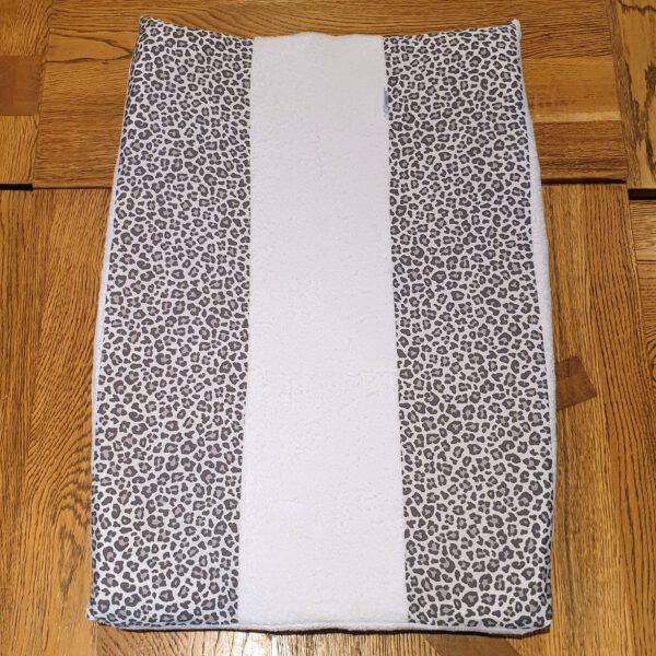 aankleedkussenhoes panter grijs leonietje's